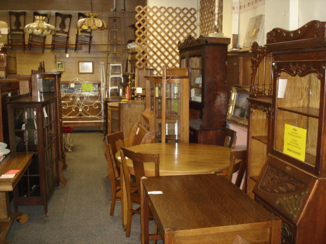 See the Slide Show Of Items shown above to view MORE items at the finest  Lincoln Nebraska antique shop. Thank You for your patronage! - Antique Corner Cooperative 1601 South 17thLincoln NE 68502 Ph 402